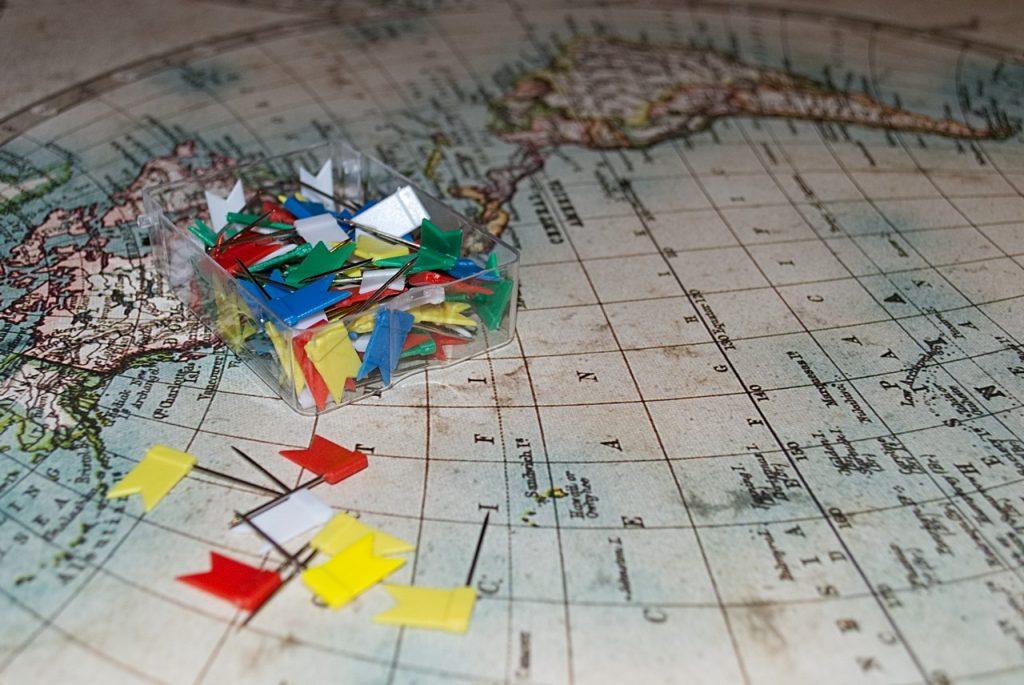 Wereldkaart pin vlaggetjes
